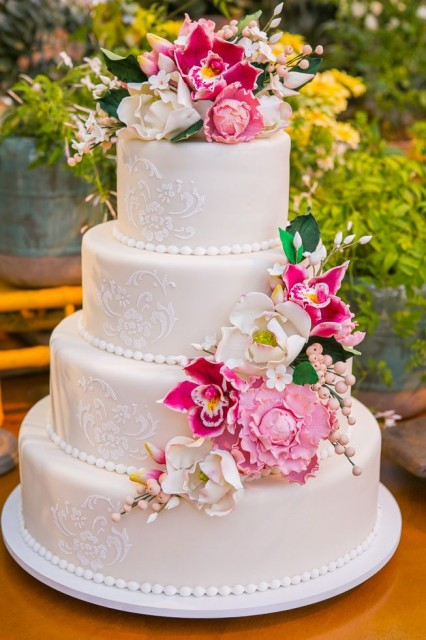 Não se esqueça do bolo de casamento